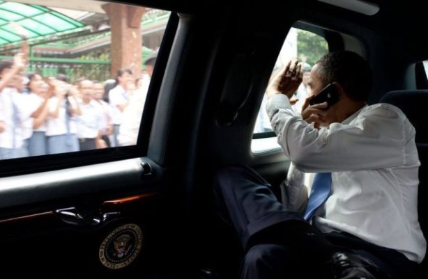 president-obama-waved-to-people-lined-along-his-motorcade-in-jakarta-indonesia-as-he-headed-to-the-airport