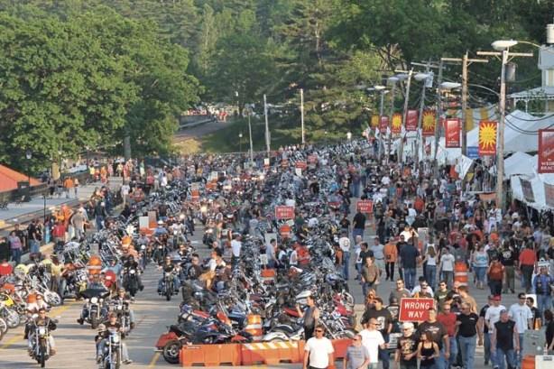 Laconia_Motorcycle_Week_05-L1