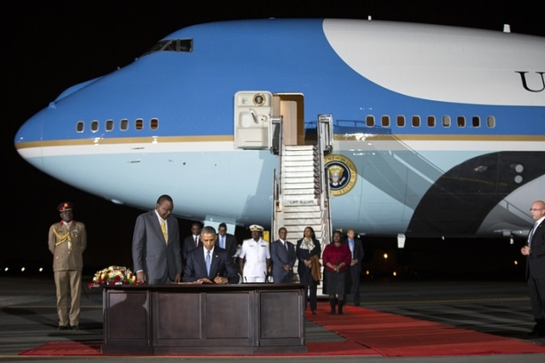 Obama Air Force One Kenya