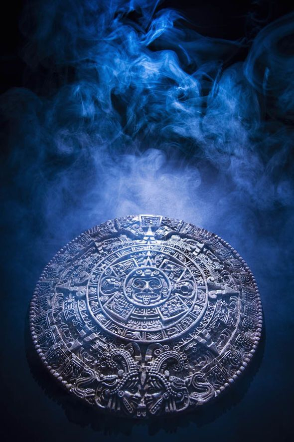 time-travel-proof-mayan-calendar-tzolkin-time-traveller-1322211.jpg