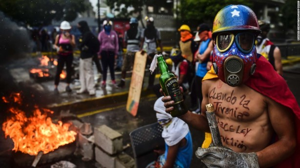 170807130709-01-venezuela-unrest-0804-super-169