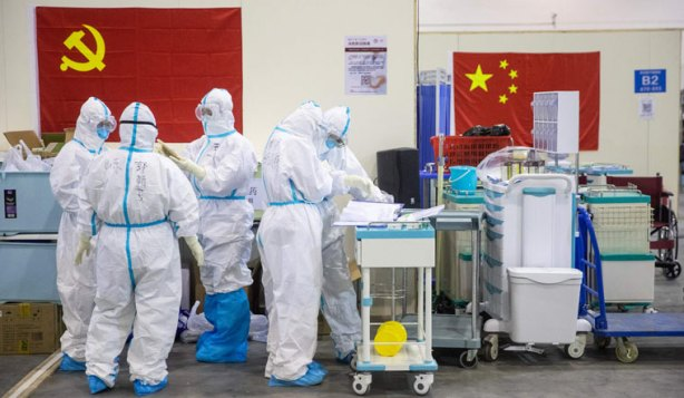 China-medical-staff-members-ospital-in-Wuhan-COVID-19-coronavirus-epidemic-February-18-afp